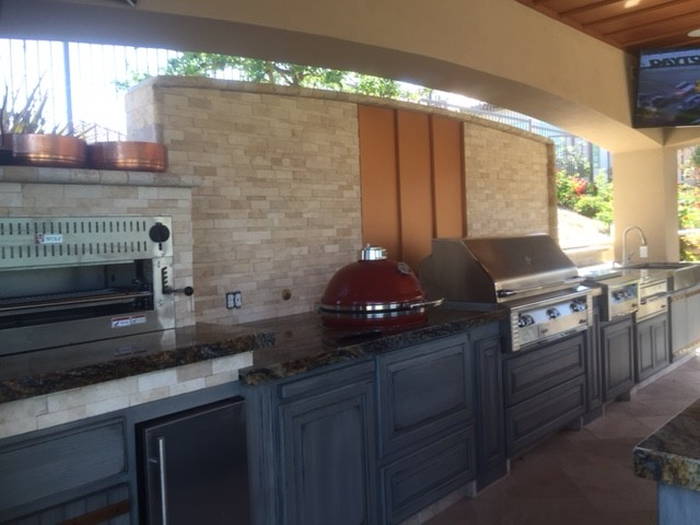 outdoor kitchen by Maranatha Landscape Bakersfield Kern County